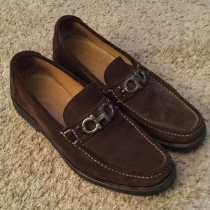 SALVATORE FERRAGAMO SUEDE DRIVING LOAFERS SHOES